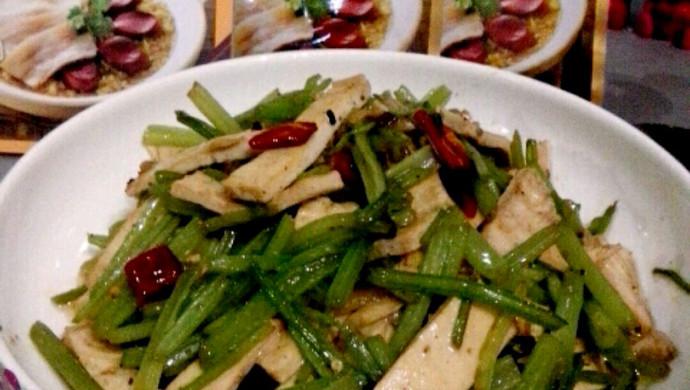 大喜大牛肉粉试用---芹菜炒香干