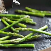 三文鱼金针菇卷佐黑椒芦笋#宜家让家更有味#的做法图解9