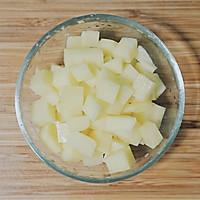 土豆腊肠焖饭的做法图解2