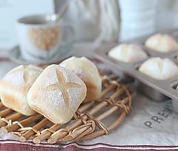 奶香小方包的做法