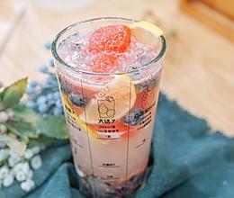蓝莓气泡水的做法