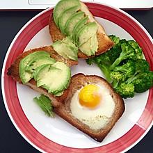 Brunch之鸡蛋烤面包配牛油果