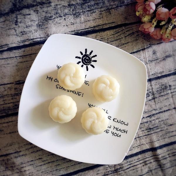 榴莲乳酪冰皮月饼的做法