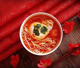 这个冬季你需要一碗温暖的面   西红杮鸡蛋龙须面汤的做法