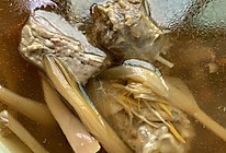 鸭子炖黄花菜的做法