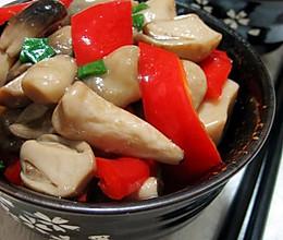 红椒炒菇片的做法
