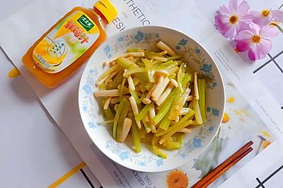低脂健康的西芹炒白菇