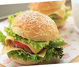 -芝士猪肉堡#美的绅士烤箱#的做法