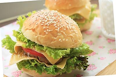 -芝士猪肉堡#美的绅士烤箱#