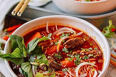 越南鲜辣牛肉米线