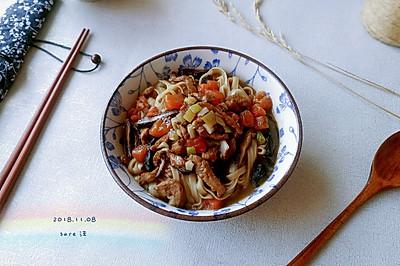番茄菇肉炝锅面