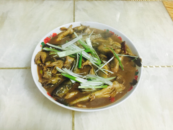 家常菜「酱炖海鲶鱼」的做法