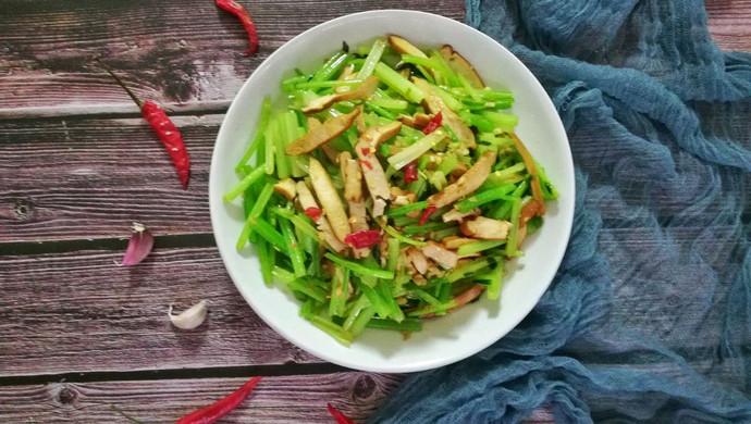 香芹炒豆干#花10分钟,做一道菜!#