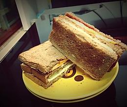全麦鸡蛋培根三明治的做法
