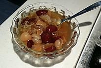 冰糖炖桂圆银耳莲子红枣汤的做法
