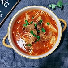 金针菇番茄肥牛汤