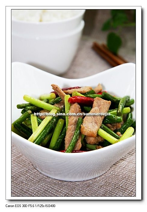 蒜苔炒肉的做法