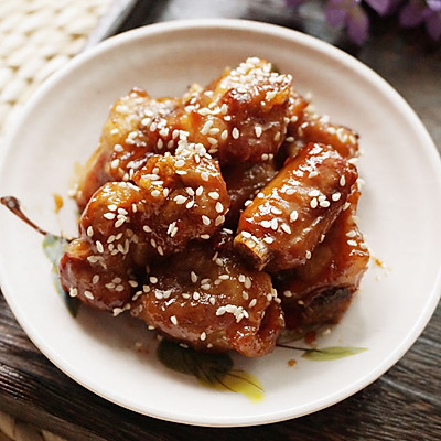 夏季嗜肉族首选,一招打造诱人上海特色:糖醋小排