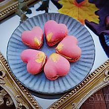 树莓爱心马卡龙#马卡龙·奶油蛋糕看过来#