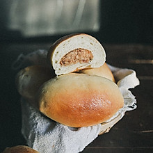 #年味十足的中式面点#肉松蛋黄酱面包