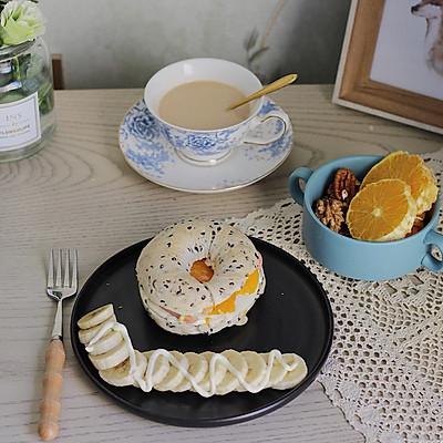 无油少糖健康早餐包—黑芝麻贝果