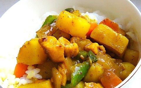 简单易做鸡丁土豆咖喱饭(咖喱盖饭)的做法