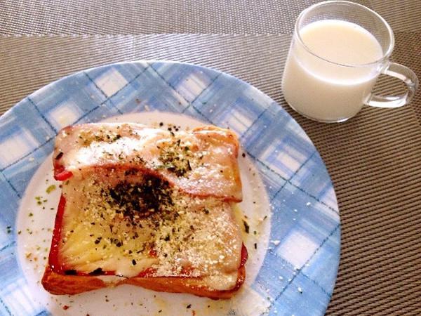 工作日五分钟的营养早餐——鸡蛋芝士培根烤吐司