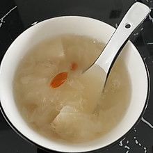 银耳雪梨羹(小吊梨汤)