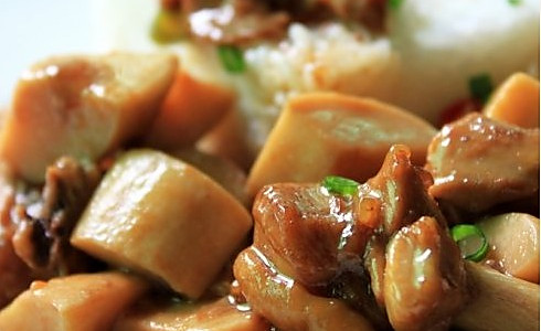 杏鲍菇滑鸡饭的做法