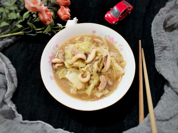 板乌肉丝煨白菜的做法