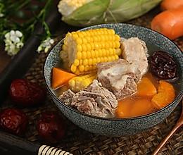 小暑入伏天,静心降压首选玉米排骨汤的做法