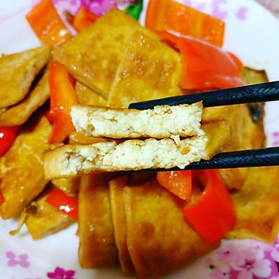 耗油红椒豆腐——煎炖豆腐