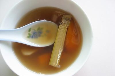 清热祛湿养颜茅根竹蔗水
