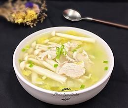 菌菇肉片白菜汤的做法