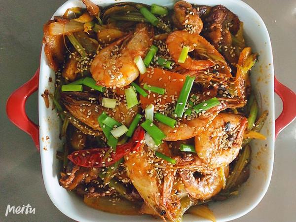 干锅土豆片鸡肉虾的做法