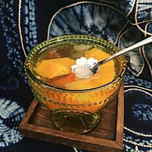 桃胶雪燕炖木瓜