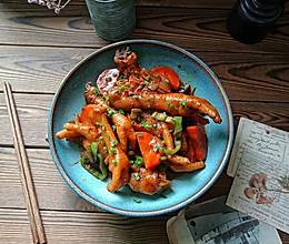 红萝卜炖鸡爪的做法