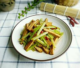快手家常菜-香芹炒豆干的做法