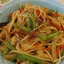 中式黑椒鸡肉炒意面