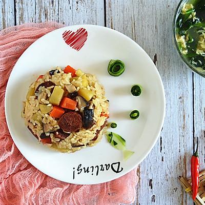 快手早餐:腊肠香菇焖饭
