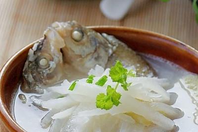 鲜鱼萝卜汤