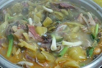 酸菜牛杂汤