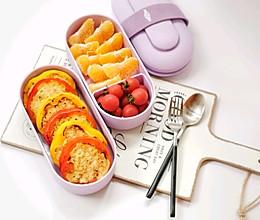 春日便当——彩椒煎饼+鲜果的做法