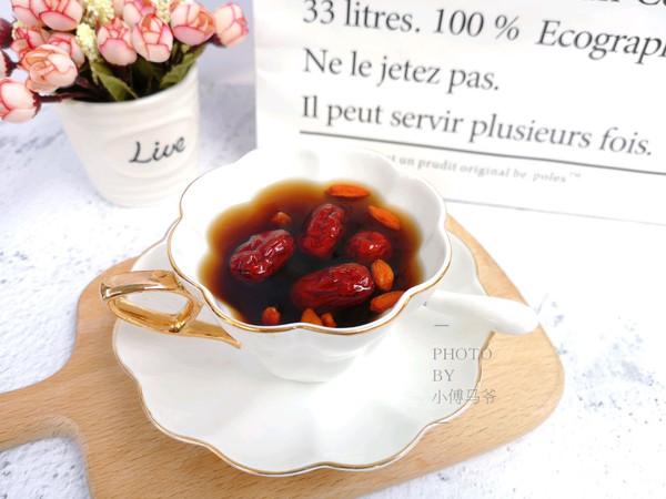 黑糖红枣桂圆暖宫汤的做法