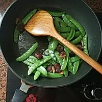 腊肠炒荷兰豆的做法图解10