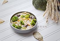 多菌烧西兰花,满满蛋白质#中式减脂餐#的做法