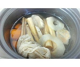 春、夏季葛根竹蔗淡甜汤的做法