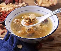 姬松茸红枣炖鸡汤的做法