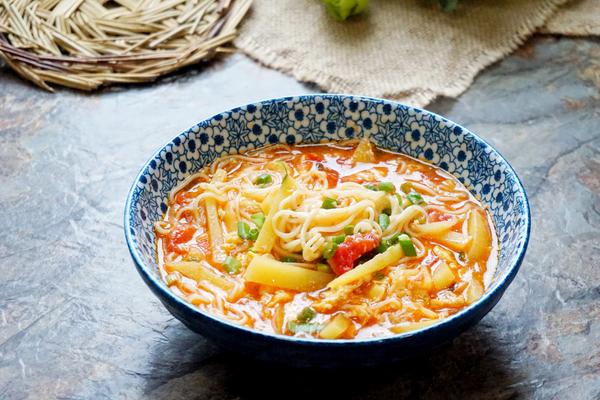 土豆西红柿汤面的做法
