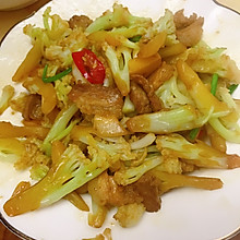 #我们约饭吧#干锅花菜炒五花肉
